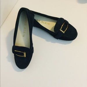 EUC ANNE KLEIN Loafers Size 6